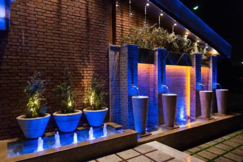 چگونه با روش های مدرن نورپردازی بیشترین لذت را در هر زمان شبانه روز از محوطه و فضای سبز خود داشته باشیم
